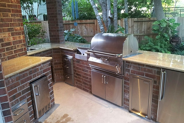 Personal Touch Landscape   Outdoor Kitchen 28