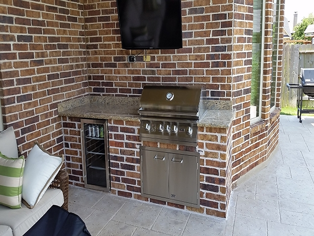 Personal Touch Landscape - Outdoor Kitchens 08.jpg