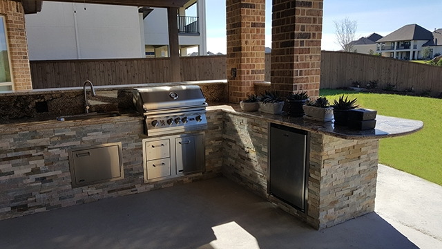 Personal Touch Landscape - Outdoor Kitchens 10.jpg