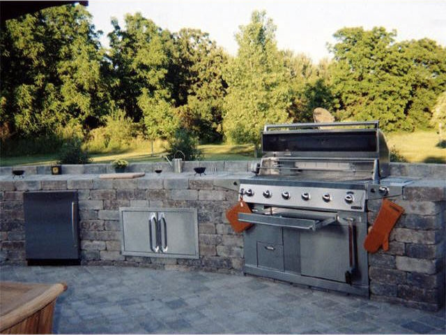 Personal Touch Landscape - Outdoor Kitchens 03