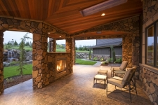 Outdoor Fireplace and Firepits